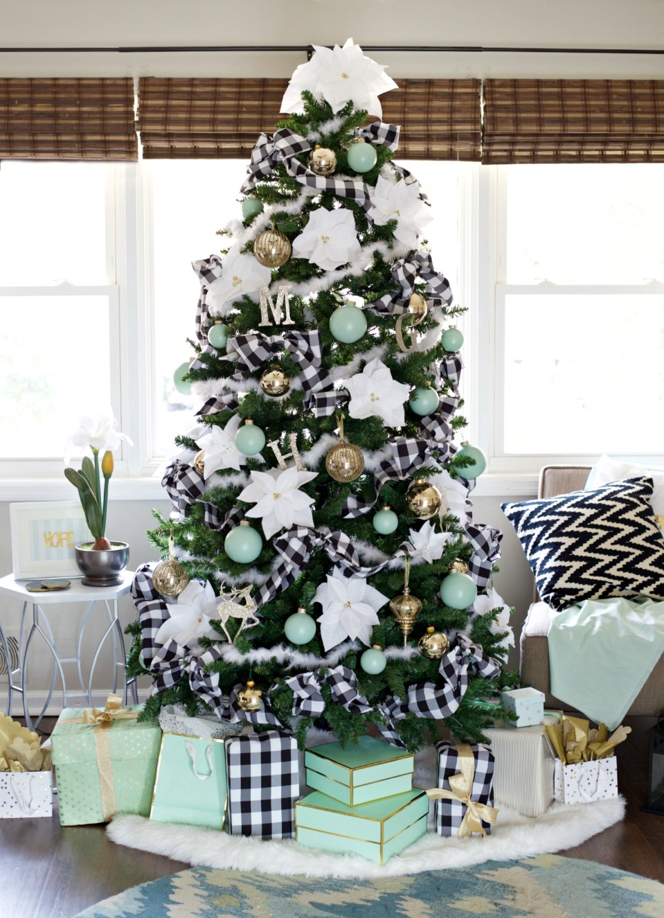 Black and White Flannel Pattern Garland - Modern Christmas Tree With White And Turquoise Blue Accents