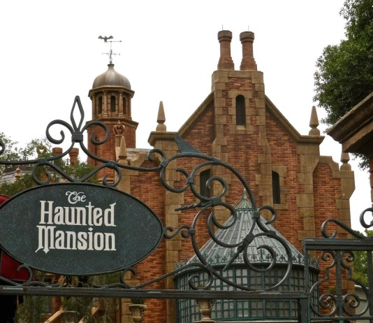 Haunted Mansion - Mansão Mal assombrada da Disney