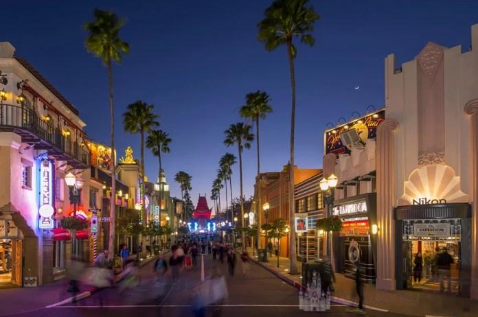 Hollywood Blvd en la noche