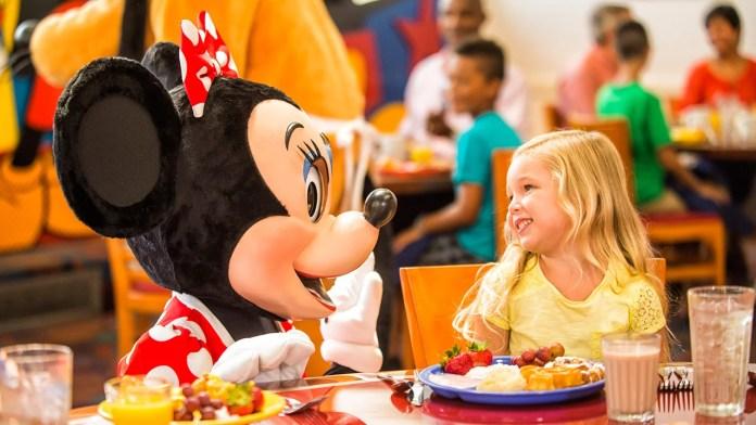 Familia cena como plan de comidas gratis 2019 en Disney