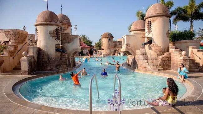 caribbean-beach-resort-piscina