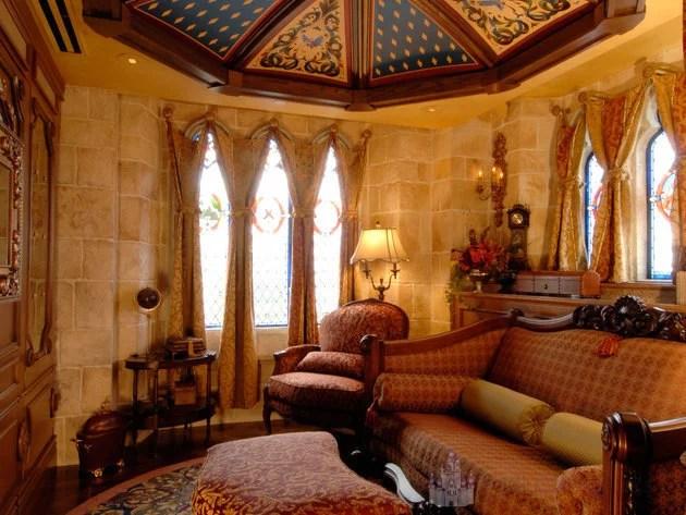 Parte da decoração do quarto secreto no Castelo da Cinderela