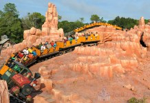 Curta a Big Thunder Mountain Railroad no Magic Kingdom