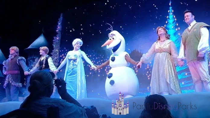 For The First Time in Forever - A Frozen Sing-Along Celebration Anna e Elsa