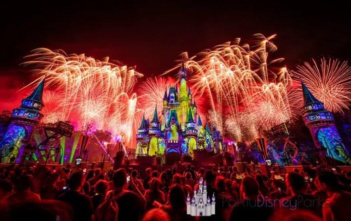 not-spooky-fireworks-mickeys-halloween-party-magic-kingdom-disney-