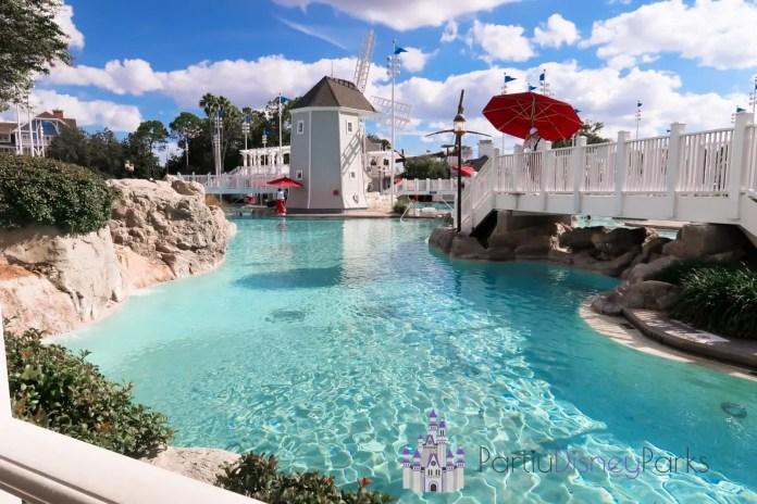 disney-beach-club-resort-piscina-stormalong
