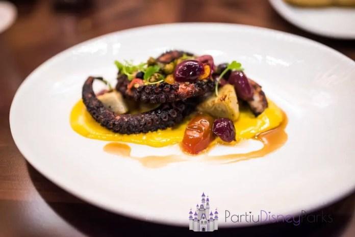 tiffins-restaurant-animal-kingdom-walt-disney-world