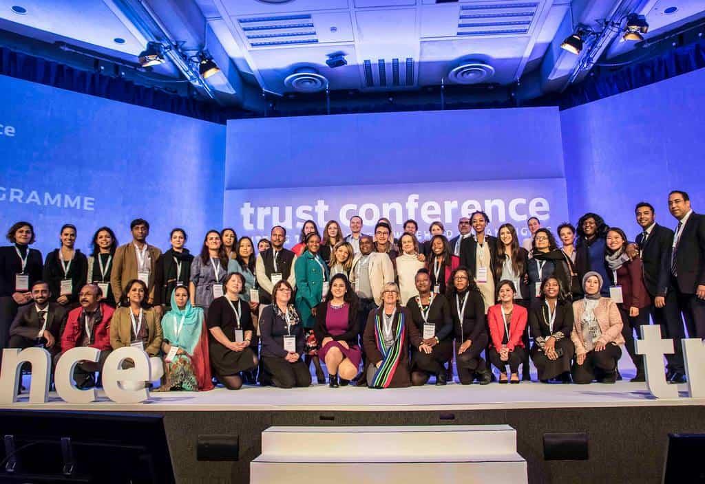 bolsas para participar de evento em Londres trust conference