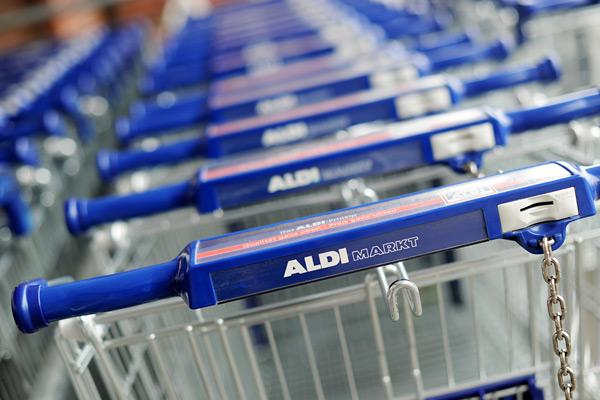 Imagem via: http://www.foodnavigator.com/Legislation/Aldi-wins-battle-of-the-puds-against-Dr-Oetker