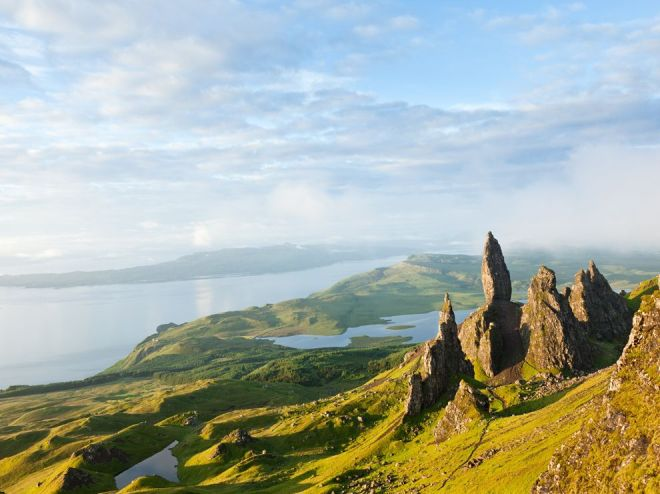 Via: http://www.nationalgeographic.com/wallpaper/ngm/photo-contest/2010/entries/wallpaper/week-1/ngpc-scotland-isle-of-skye/