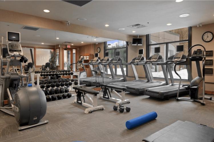 onde se hospedar em whistler - Hilton fitness centre