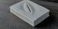 The_book_lent_to_Fontana_by_jiyuseki1-770x395