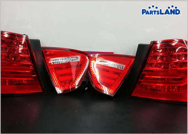 BMW E90 3シリーズ LEDテールライト  ガレージオフ 八王子堀之内店