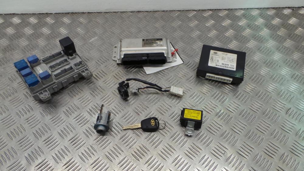 medium resolution of 2003 hyundai getz 1 3 petrol manual ignition kit engine ecu fuse box