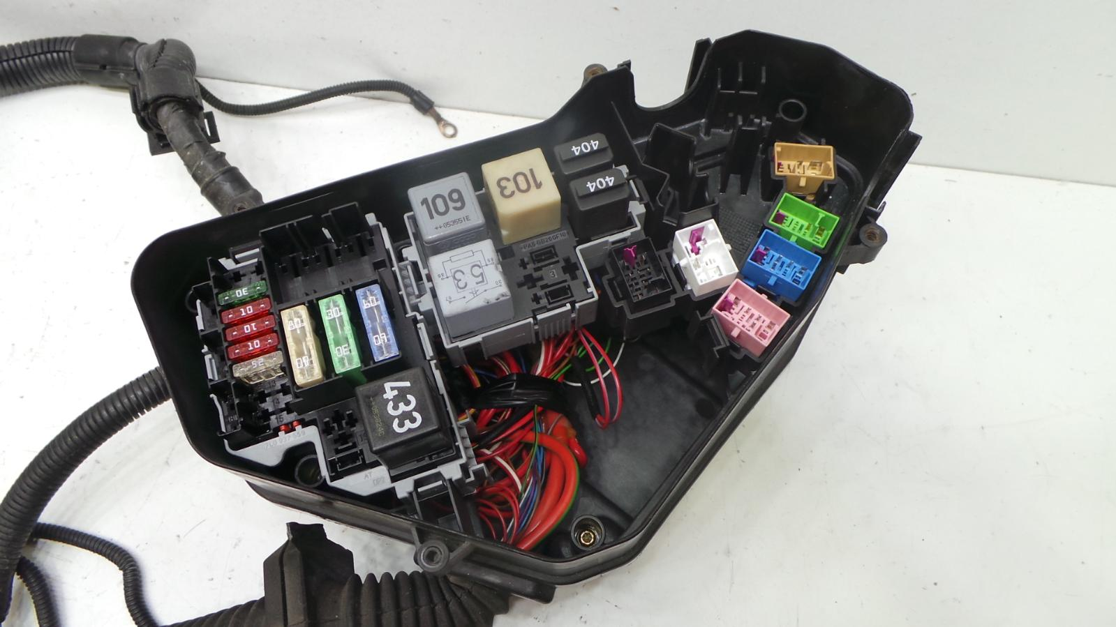 hight resolution of 3 of 12 2005 vw touareg 2 5 diesel bac engine bay wiring loom harness fuse box