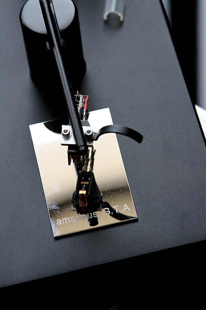 A steady hand comes into play with the WTL tonearm