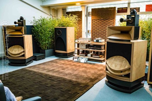 High-End-Living-Voice-01820