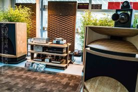 High-End-Living-Voice-01825