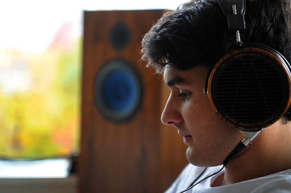 totaldac-headphones-lcd3-1