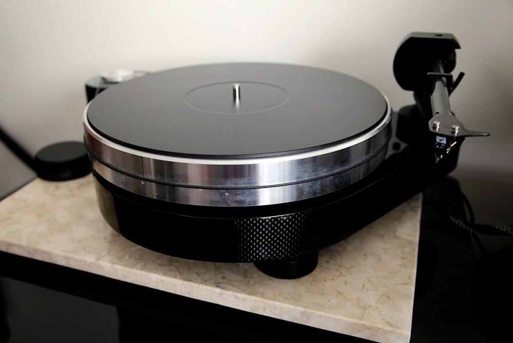 Pro-Ject-RPM9Carbon-10
