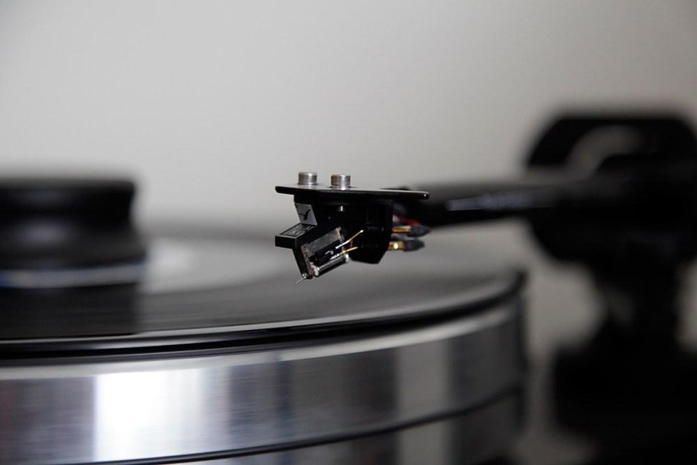 Pro-Ject-RPM9Carbon-3
