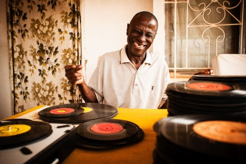 In January 2011 I traveled to Ghana to document a diging trip with Frank Gossner of Voodoo Funk. We met Philip Osei Kojo from an 80 year old man Mampong who offered us to come to his house and take a look at his records which he did not listen to for the past 30 year just because he could not fix his record player. The first time we palyed the record was an unexpected emotional surprise, for him and for us. Dust & Grooves is a photo and interview project documenting vinyl collectors in their most intimate environment: their record room. www.dustandgrooves.com (C) All Rights Reserved to Eilon Paz & Dust & Grooves. visit our Kickstarter at: http://kck.st/PkKM4V