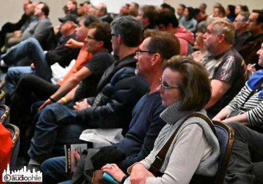 AXPONA-19-Friday-crowd2