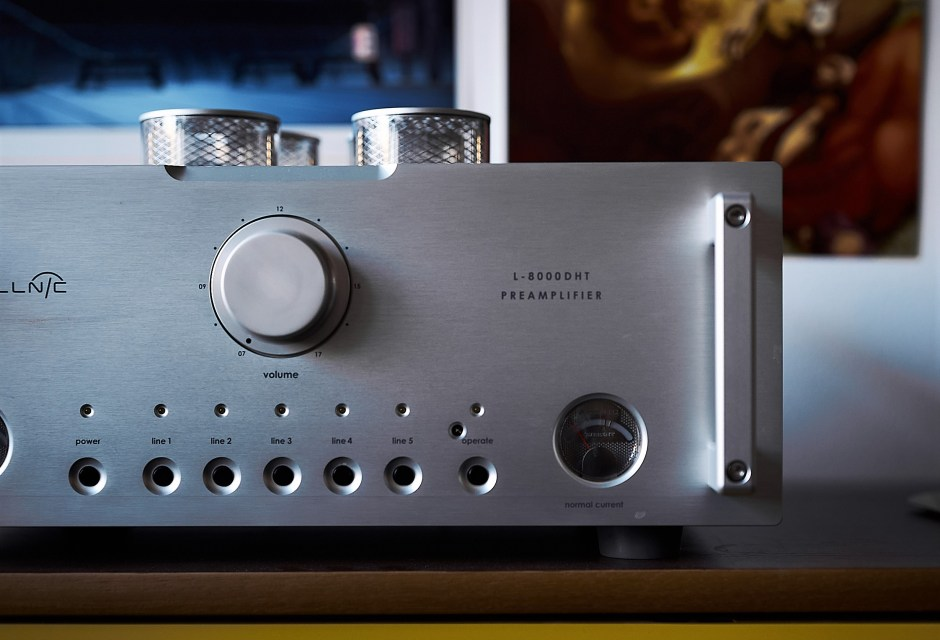 Tube preamplifier from Allnic.