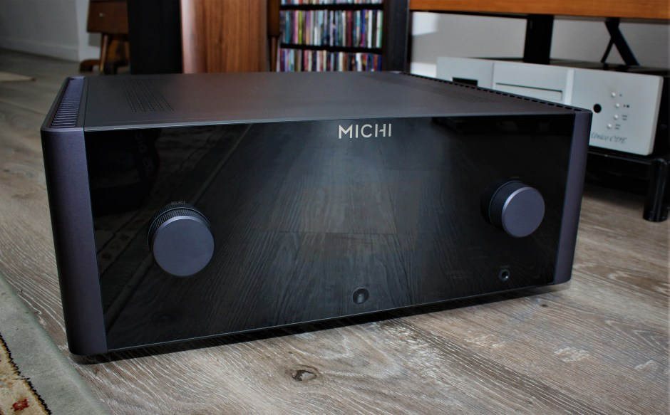 Rotel MICHI X5.