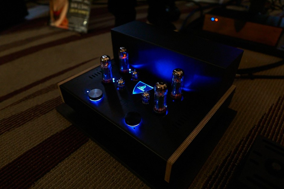integrated tube amplifier