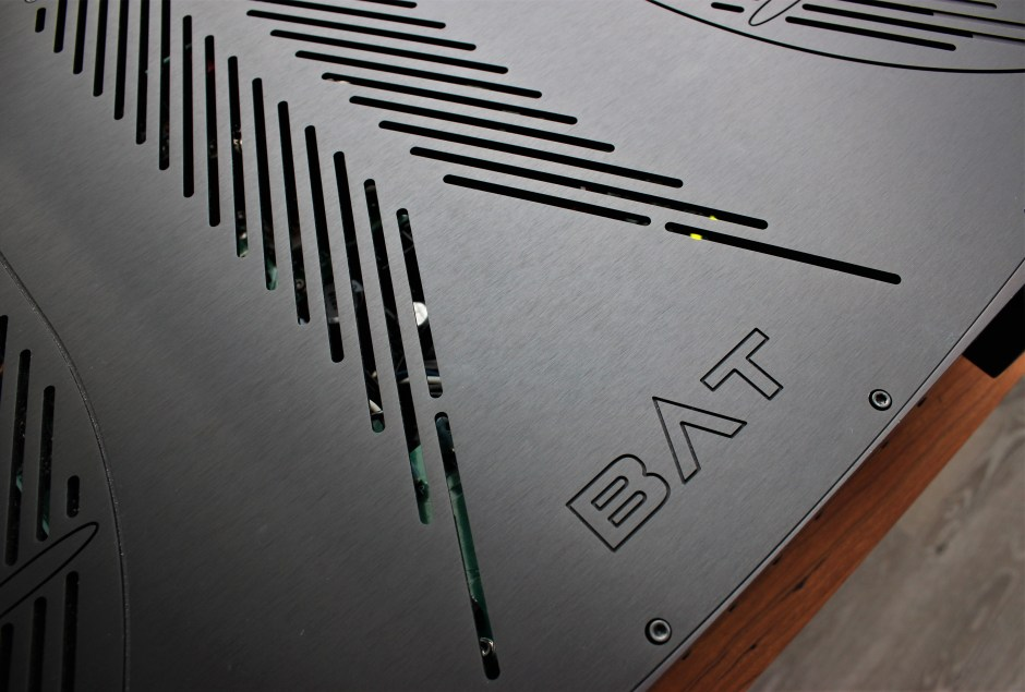 bat top plate integrated amplifier