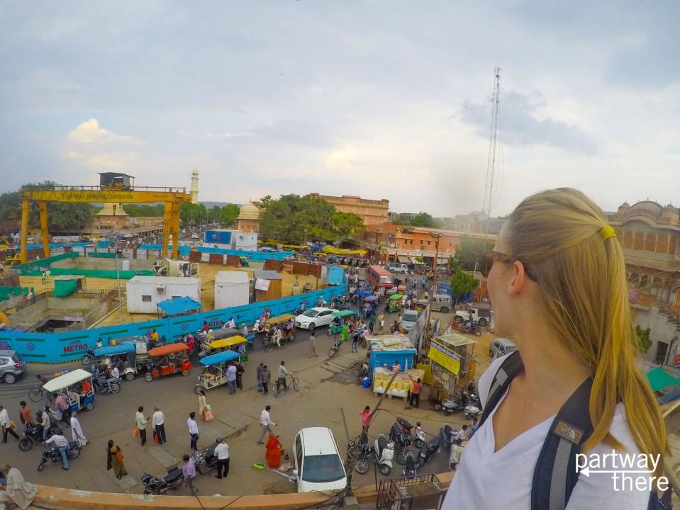 Amanda Plewes looking at traffic on the streets of Jaipur