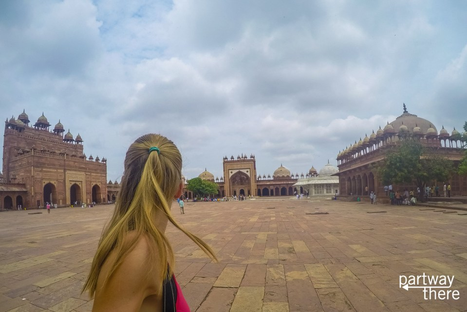 Amanda Plewes entering the Jama Masjid mosque at Fatehpur Sikri