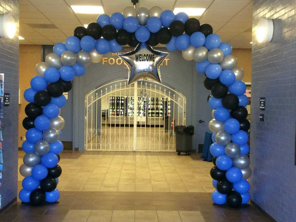 Balloon arch, welcome event for new students, Moorpark College