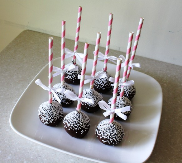 cake pops with stripy sticks