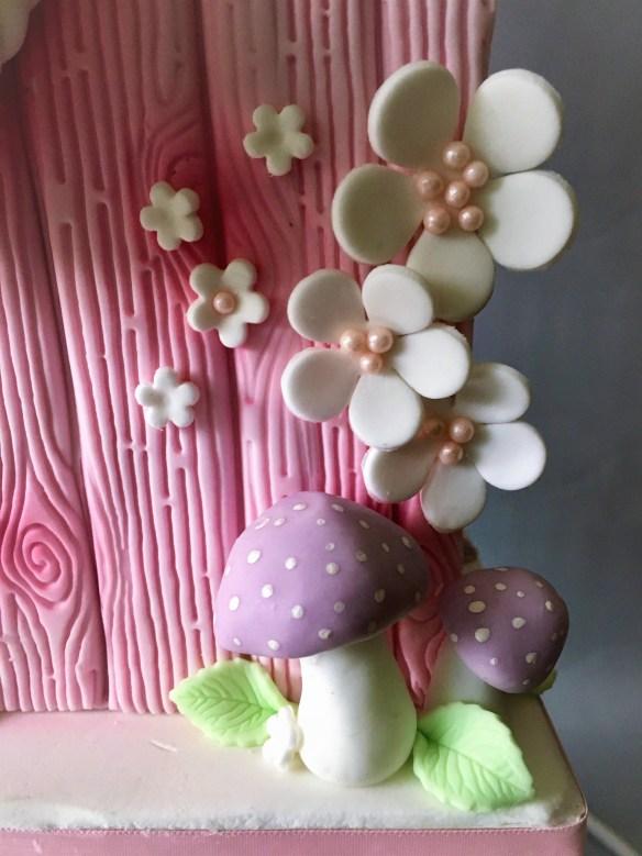birdhouse cake hanging stand Samantha eshop Σαμάνθα Cakes By Samantha τουρτα τουρτες κρεμα για τουρτες πουλι σπίτι gravity cake keik κεικ antt-gravity