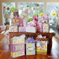 Jungle Baby Shower Gift Table Idea - Jungle Animals Baby ...