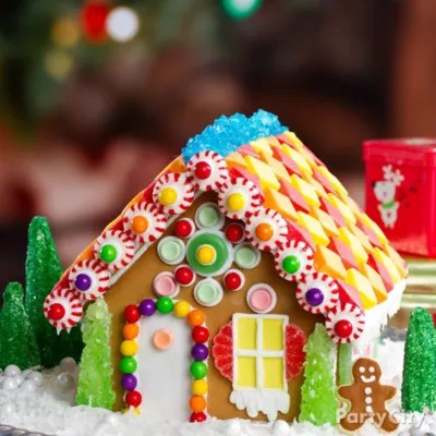 Snowy Gingerbread House Idea Christmas Treats To Make The Season