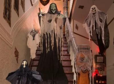 Asylum Halloween Decorating Ideas Party City