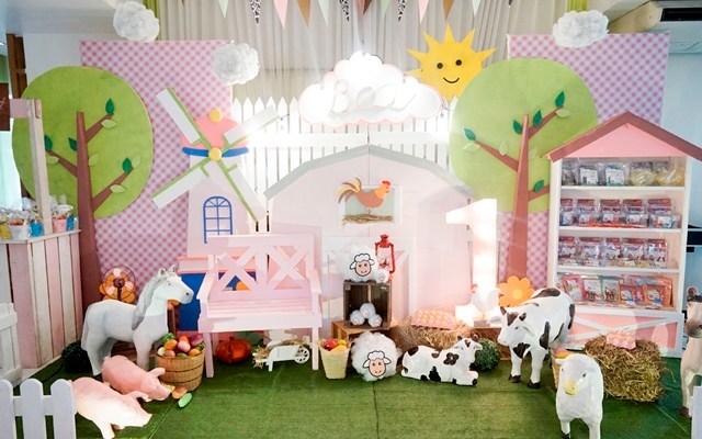 Bea's Pink Barnyard Themed Party – 1st Birthday