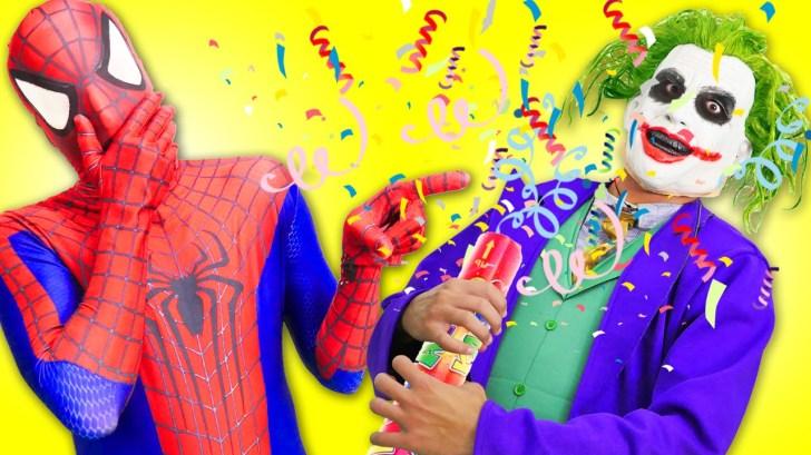 Spiderman-Frozen-Elsa-vs-Joker-Fail-Prank-w-Pink-Spidergirl-Superman-Superhero-Fun-in-Real-Life