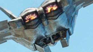 4K-Video-Of-US-Fighter-Jets-in-Action-F-15-F-16-F-22-F-35-4K-Footage