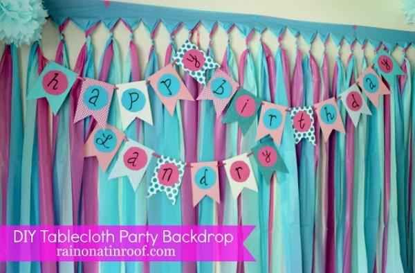 $3 DIY Tablecloth Party Backdrop