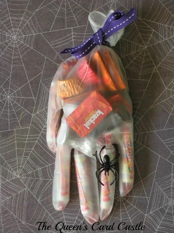 Halloween Hand 2 B