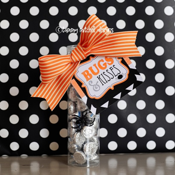 Make bugs kisses halloween party favors party ideas for Halloween party favor ideas