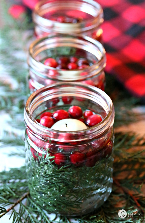 Easy-Holiday-Table-Decor-TodaysCreativeLife.com-8