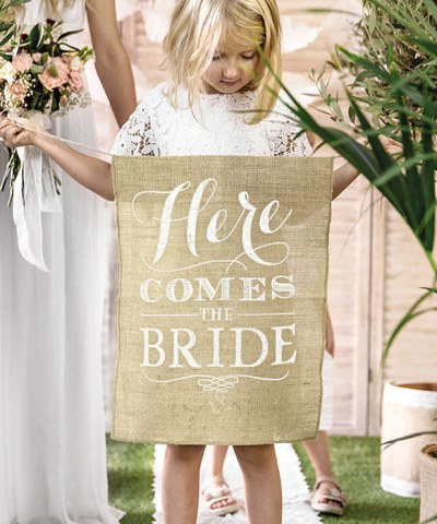 Here comes the bride skilt