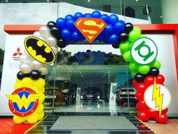 Balloon Superhero Arch Decoration