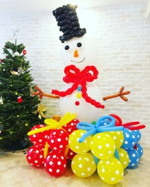 Balloon Snowman Sculpture