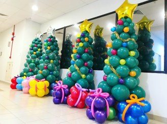 Christmas Tree Balloon Sculptures